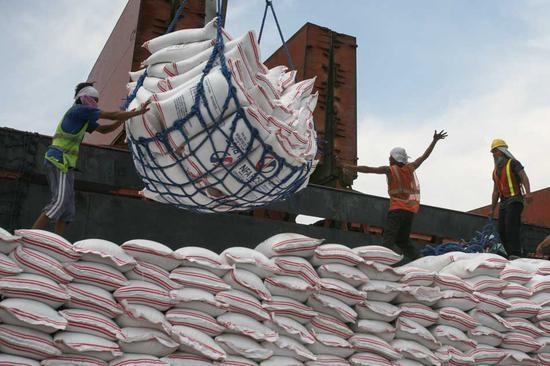 菲律宾4月进出口均创10多年来最大增幅